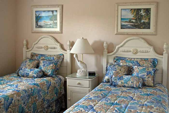 Gulf Beach #103 Guest Bedroom with Extra Long Twin Beds
